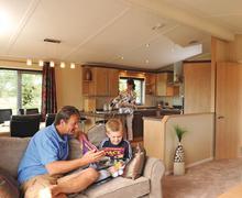 Snaptrip - Last minute cottages - Cosy Burnham On Sea Lodge S76977 - SM 3 Bed Platinum Lodge