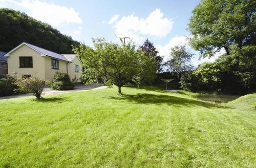 Snaptrip - Last minute cottages - Wonderful Nr South Molton Rental S12351 - External