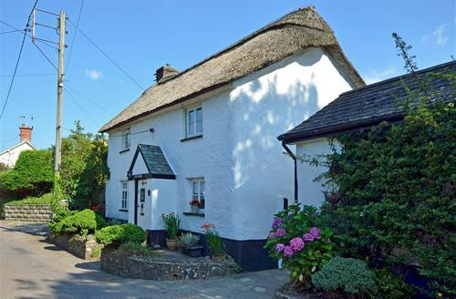 Snaptrip - Last minute cottages - Inviting Braunton Rental S12362 - External