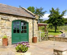 Snaptrip - Last minute cottages - Attractive Ashover Cottage S9014 -