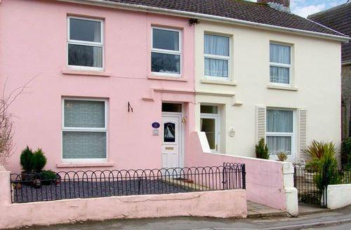 Snaptrip - Last minute cottages - Superb Ferryside Hills S4809 -