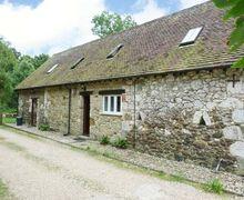 Snaptrip - Last minute cottages - Tasteful Newport Cottage S3340 -