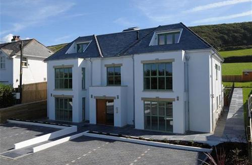 Snaptrip - Last minute cottages - Excellent Croyde Rental S12388 - External - View 1