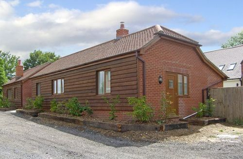 Snaptrip - Last minute cottages - Delightful Southampton Cottage S3393 -