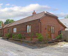 Snaptrip - Last minute cottages - Delightful Southampton Cottage S3393 -