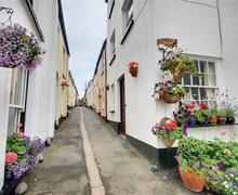 Snaptrip - Last minute cottages - Captivating Appledore Rental S12402 - External - View 1
