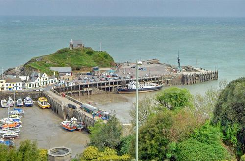 Snaptrip - Last minute cottages - Gorgeous Ilfracombe Rental S12405 - View 1 from Property