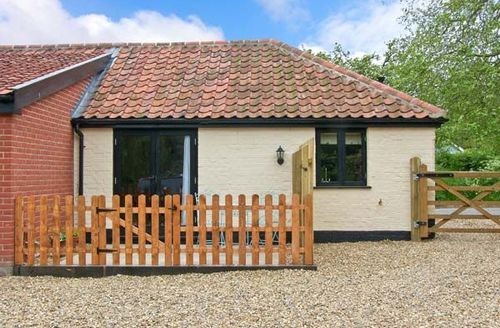 Snaptrip - Last minute cottages - Charming Harleston Kiln S2498 -