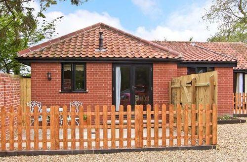 Snaptrip - Last minute cottages - Attractive Harleston Cross S2497 -