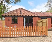 Snaptrip - Last minute cottages - Attractive Harleston Cross S2497 -