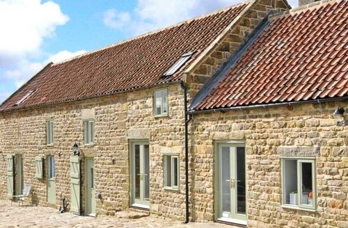 Snaptrip - Last minute cottages - Cosy Whitby Barn S4129 -