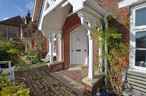Snaptrip - Last minute cottages - Luxury Woodbridge Rental S12505 - Exterior - View 2