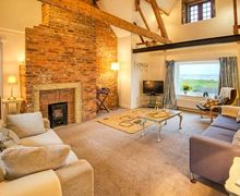 Snaptrip - Last minute cottages - Wonderful Alnwick Apartment S4286 -
