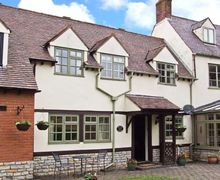 Snaptrip - Last minute cottages - Lovely Evesham Cottage S2656 -