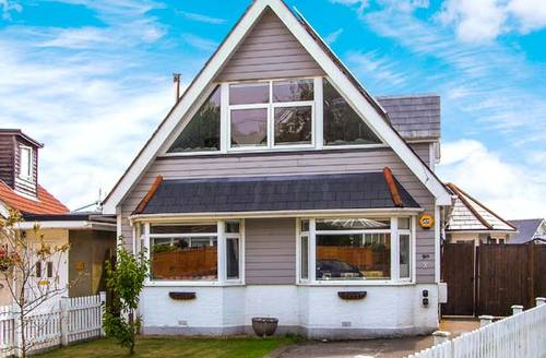 Snaptrip - Last minute cottages - Tasteful Hamworthy Cottage S12528 -