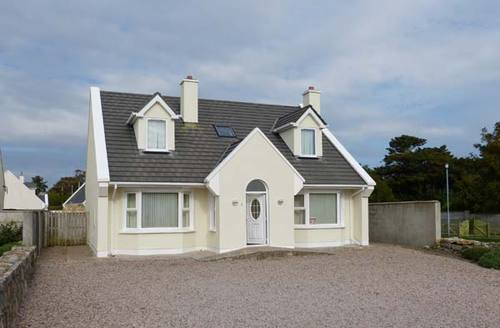 Snaptrip - Last minute cottages - Stunning Galway Cottage S12543 -