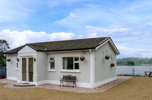 Snaptrip - Last minute cottages - Stunning Carrickmacross Cottage S12553 -