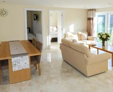 Snaptrip - Last minute cottages - Adorable Filey House S4540 -