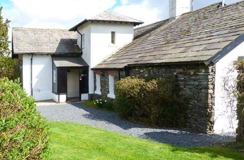 Snaptrip - Last minute cottages - Attractive Coniston House S4585 -