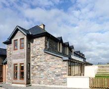 Snaptrip - Last minute cottages - Wonderful  Hide S6533 -