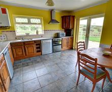 Snaptrip - Last minute cottages - Superb Bridgend Rental S12632 - WAY217 - Breakfast Kitchen