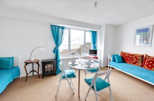 Snaptrip - Last minute cottages - Captivating Rottingdean Rental S12667 - Living Room