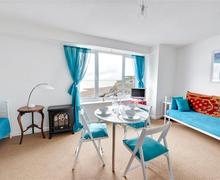 Snaptrip - Last minute cottages - Captivating Rottingdean Rental S12667 - Living Room