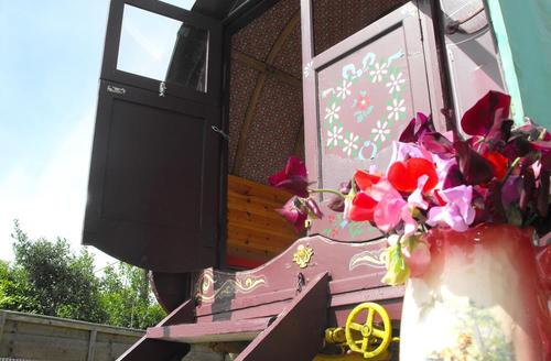 Snaptrip - Last minute cottages - Captivating Bridgend Rental S12747 - WAY218 - Romany Caravan - View 2