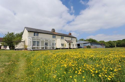 Snaptrip - Last minute cottages - Cosy South Molton House S1118 - Outside Deer Farm House