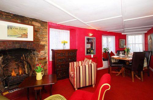 Snaptrip - Last minute cottages - Gorgeous Brixham Lodge S1120 - Living room