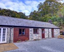Snaptrip - Last minute cottages - Tasteful Llanbedr Rental S12851 - WAH676 - Exterior - View 1