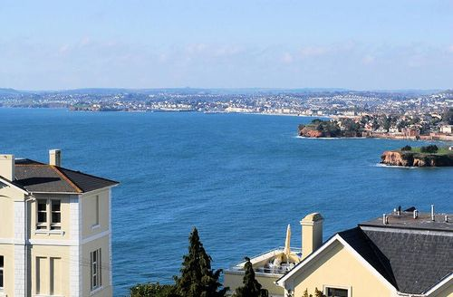 Snaptrip - Last minute cottages - Cosy Torquay Court S1134 - The view from the apartment