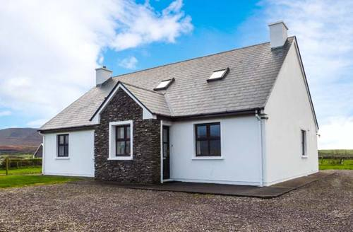 Snaptrip - Last minute cottages - Exquisite Caherciveen Rental S12884 -