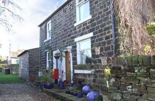 Snaptrip - Last minute cottages - Beautiful Padfield Rental S12905 -