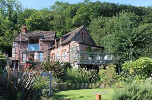 Snaptrip - Last minute cottages - Stunning Porlock Weir Cottage S12953 -