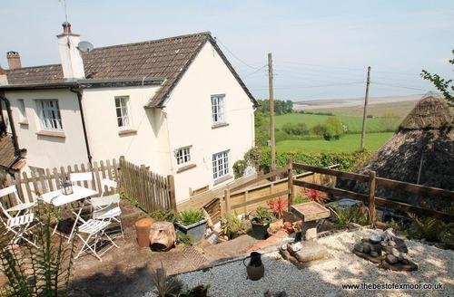 Snaptrip - Last minute cottages - Quaint Porlock Weir Cottage S12976 -