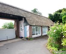 Snaptrip - Last minute cottages - Adorable  Cottage S12979 -
