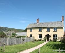 Snaptrip - Last minute cottages - Excellent West Luccombe Cottage S12981 -