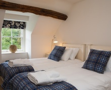 Snaptrip - Last minute cottages - Excellent Llanelltyd Cottage S9556 -