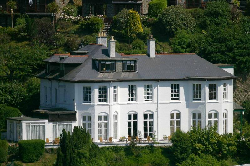 Commonwood Manor