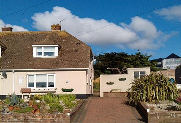 Shortstayaway Holiday Chalet Bungalow A pretty little self catering cottage set in a quiet area with sea and country views.