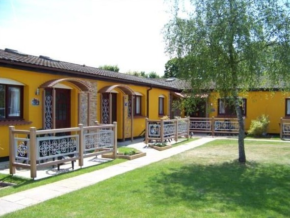 Wavesurfer luxury bungalows with private patio areas - Welcome Family Holiday Bungalows