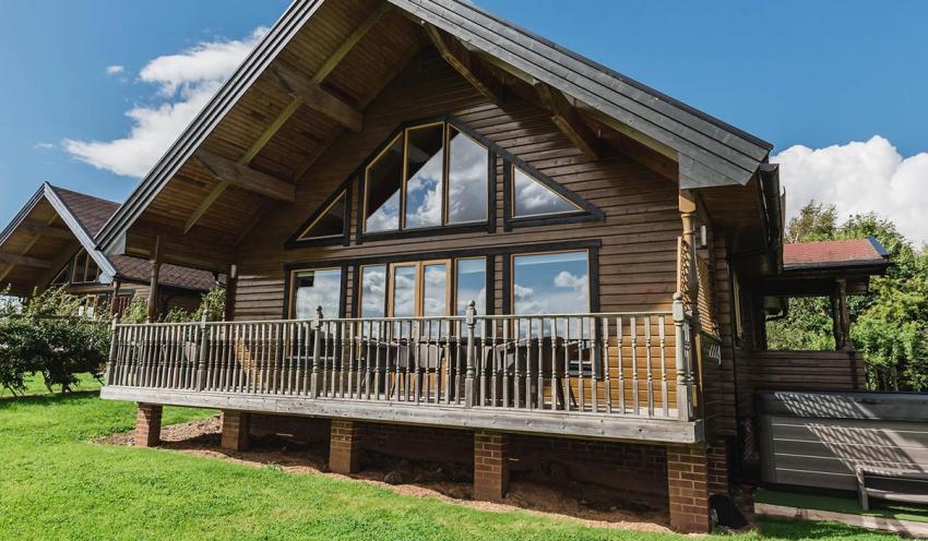 Blackthorn Gate Holiday Lodges Curlew Lodge - sleeps 4.