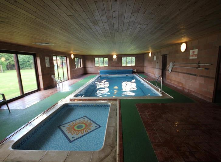 Family Breaks With Swimming Pool At Low Costa Mill Cottages