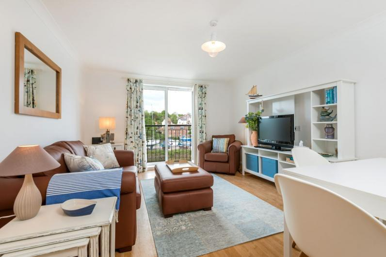 All Aboard Apartment Sitting room with view over river Esk