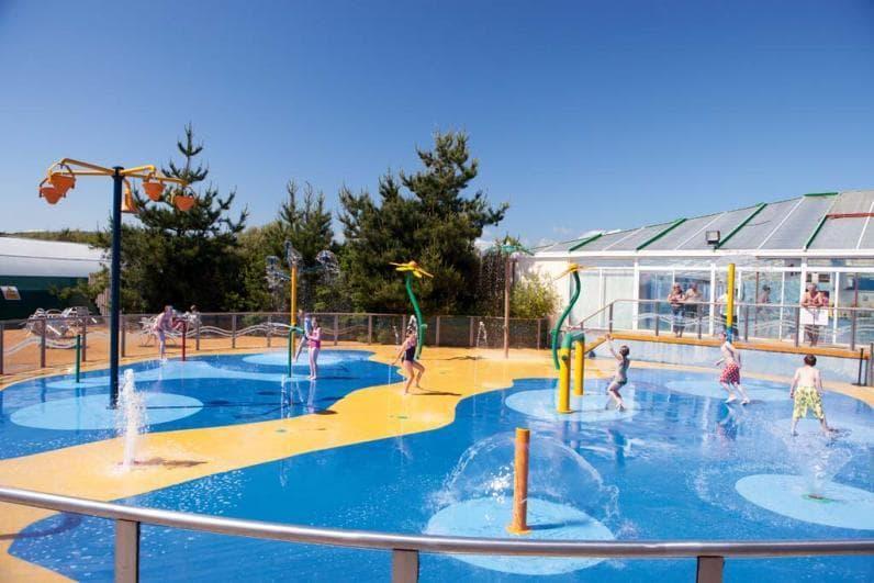 Outdoor splash zone - Haven Holidays Greenacres Holiday Park