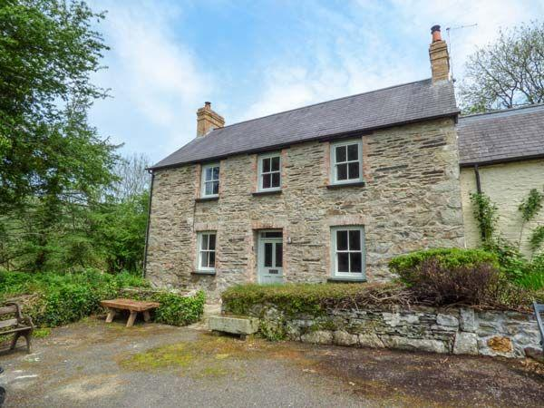 Sykes Budget Cottages in Pembrokeshire Coed Cadw Cottage (Ref.936561). Felindre Farchog, Pembrokeshire. Sleeps 6.