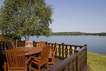Pine Lake Lodges