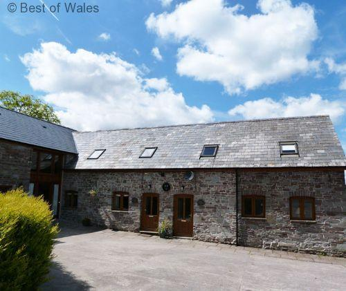 Bwthyn Tre-faen Cottage pet-friendly Brecon Beacons Holiday Cottage - 5 star