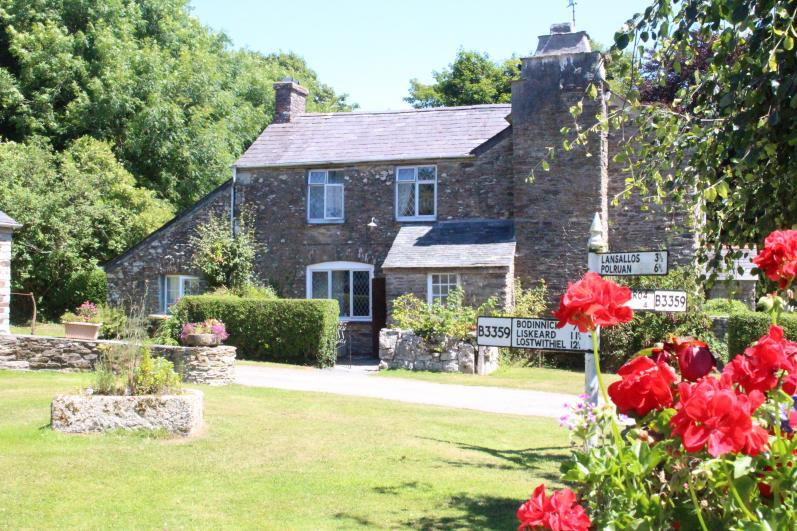 Set in award winning grounds. 1760's cottage. - Ploughman's 3 Bedroom Cottage